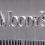 Moody s abaisse les notes des banques